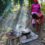 Finnes bare en måte å steke ekte kokkonsøttmelk kaker på. Ute på bålet.