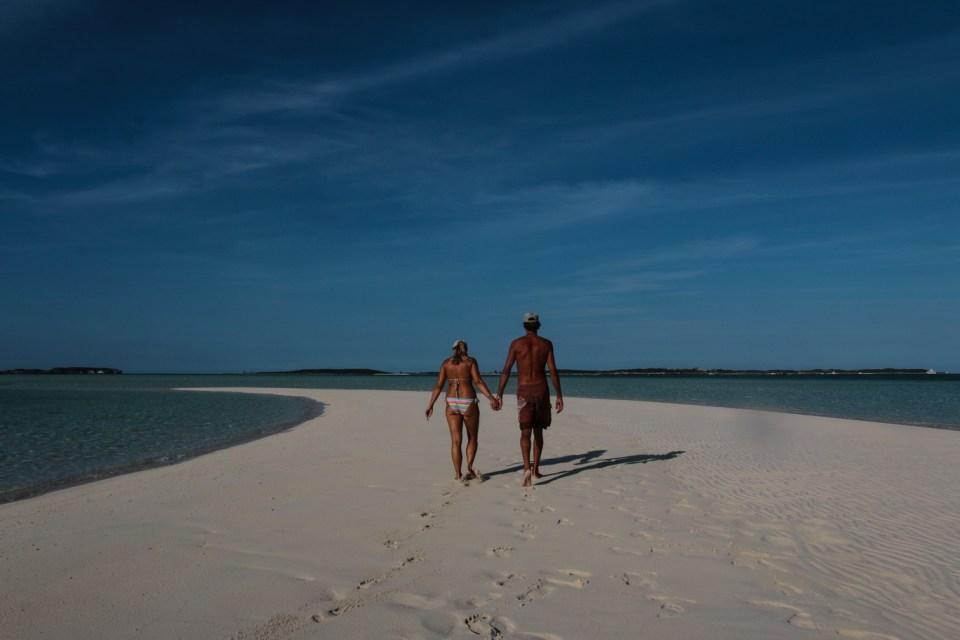 Denne sandbanken er kun synlig på lavvann. Fantastisk å tasse rundt på :)