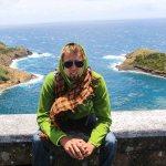 Skippern med utsikt over Monte de Guia, enda mer vulkansk aktivitet på Faial.