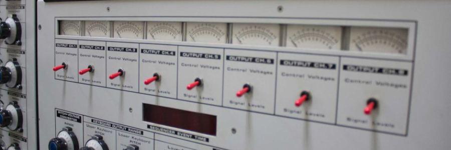 ems-synthi-100-synthesizer-closeup