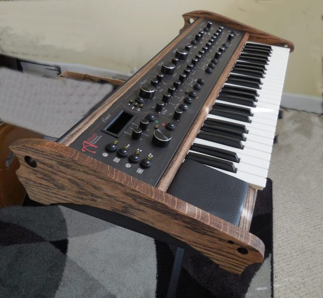 artisan-electronic-instruments-synthesizer
