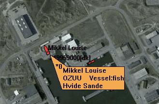 Schiffe auf der Sat-Karte. Man sieht das dass markierte Schiff aktuell an Land gewartet wird