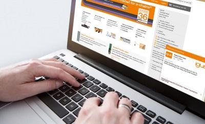 LiveChat jest jednym z udoskonaleń wprowadzanych w obsłudze klienta na skutek inwestycji w infrastrukturę cyfrową. Ułatwia to klientom uzyskanie produktu zindywidualizowanego pod względem smarowania i bezobsługowości, co znacznie obniża koszty i ulepsza technologię pracy. (Źródło: igus GmbH)
