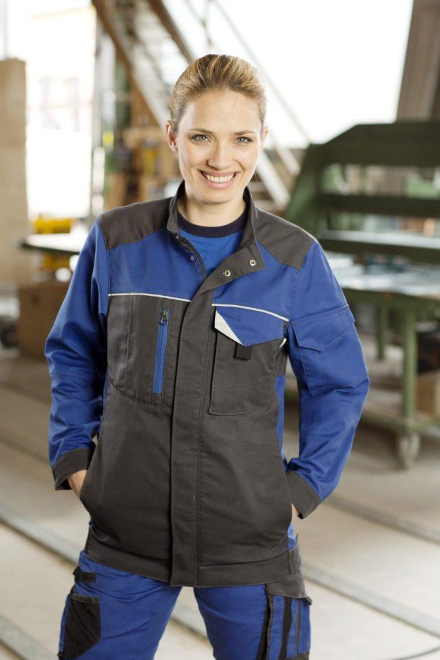 Odzież robocza musi być wygodna i spełniać określone wymagania.
