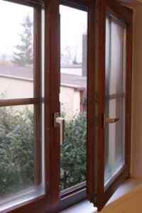 Kondenswasser am Fenster im Winter - Fensterheizung hilft