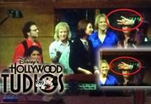 Additional fingers digitally added to Steven Tyler's hand