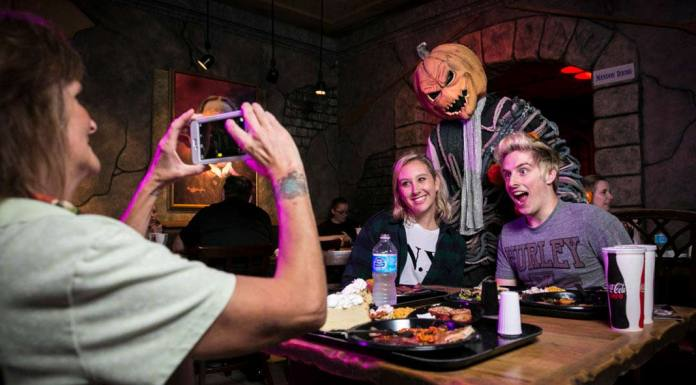 Scareactor Dining Experience Returns to Universal's Halloween Horror Nights