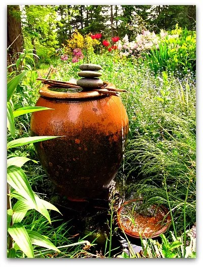 easy and simple way to build a water fountain for your garden
