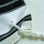 Chabad tzitzit tying