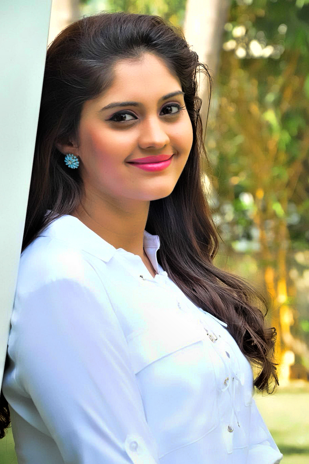 Download Lovely Wallpapers With Quotes Hot Hd Wallpapers And Images Of Actress Surabhi