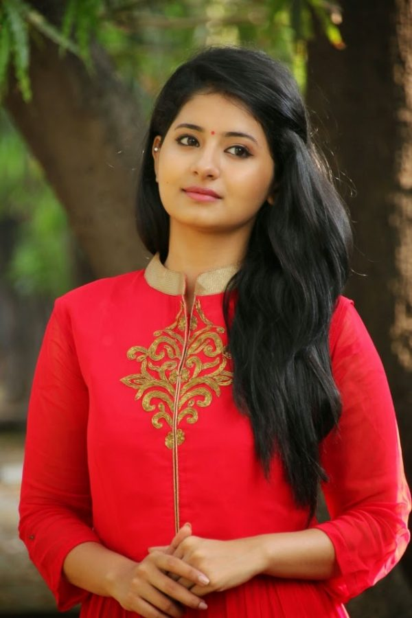 Latest Cute Love Wallpapers With Quotes Hot Reshmi Menon Hd Photos Images And Wallpapers