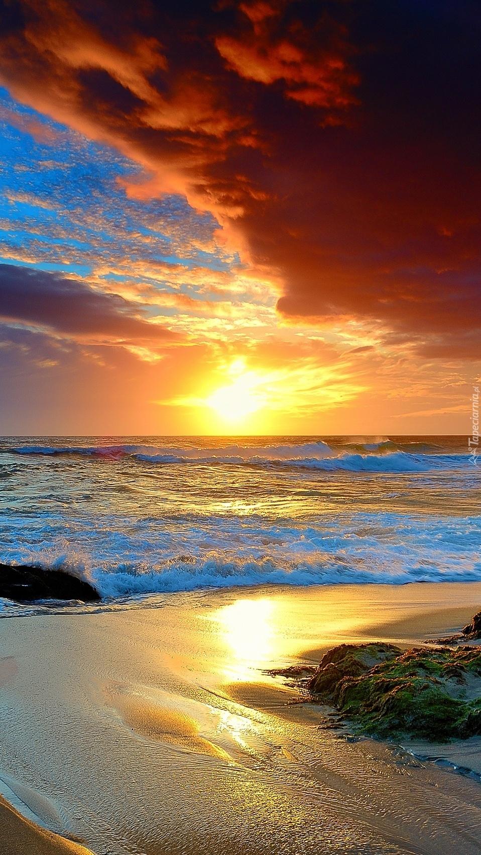 Fall Morning Wallpapers For Samsung 4 Morze I Plaża W Promieniach Słońca Tapeta Na Telefon