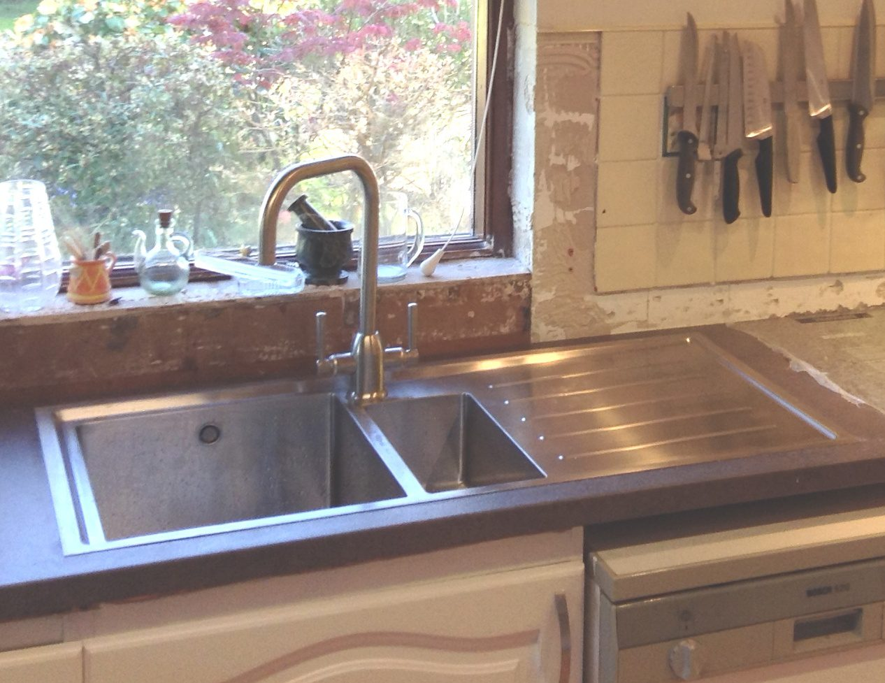 Chrome Or Brushed Steel Finish Kitchen Tap For Your