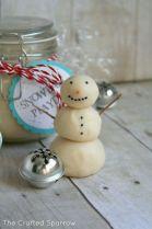 snowmaqn playdough