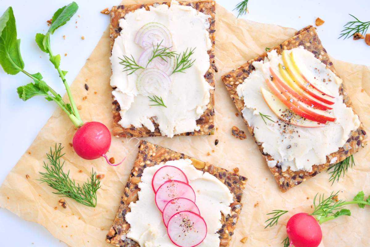 Spreadable_goatcheese_minus_the_goat