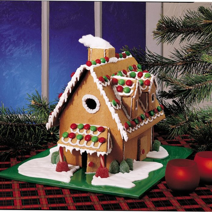 20 Adorable Gingerbread House Ideas Taste of Home