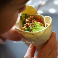 Tasting Good Naturally : Walnut and salad Tortillas (wrap) #vegan