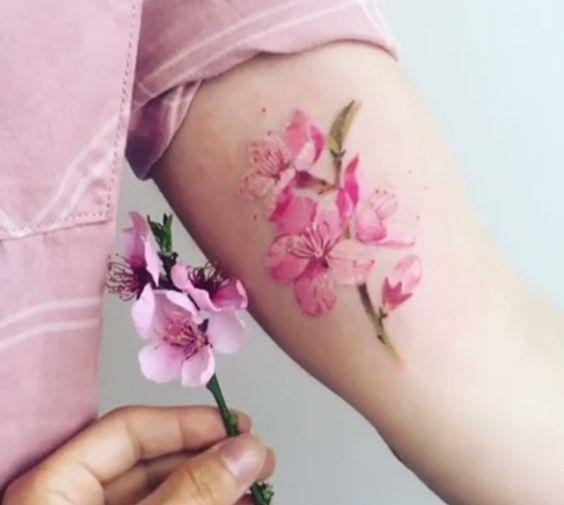 62 Ideas para Tatuajes de Flor de Cerezo o flor de Sakura ⋆