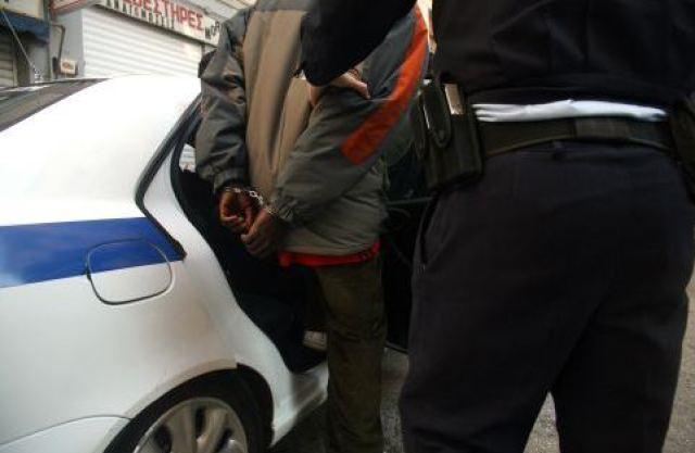 Αποτέλεσμα εικόνας για 35χρονο υπήκοος Αλβανίας τον συνέλαβαν στο Δελβινάκι με ένταλμα σύλληψης για Ληστεία