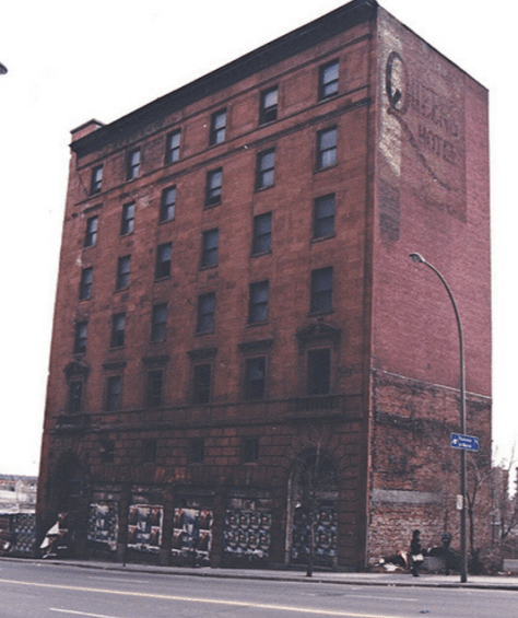 Queen's Hotel, shortly before its demolition, ca. 1993 - Michel Seguin