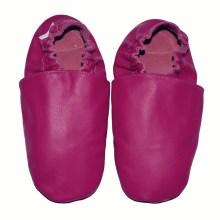 chaussons bébé enfant adulte en cuir souple rose fushia Eko Tuptusie