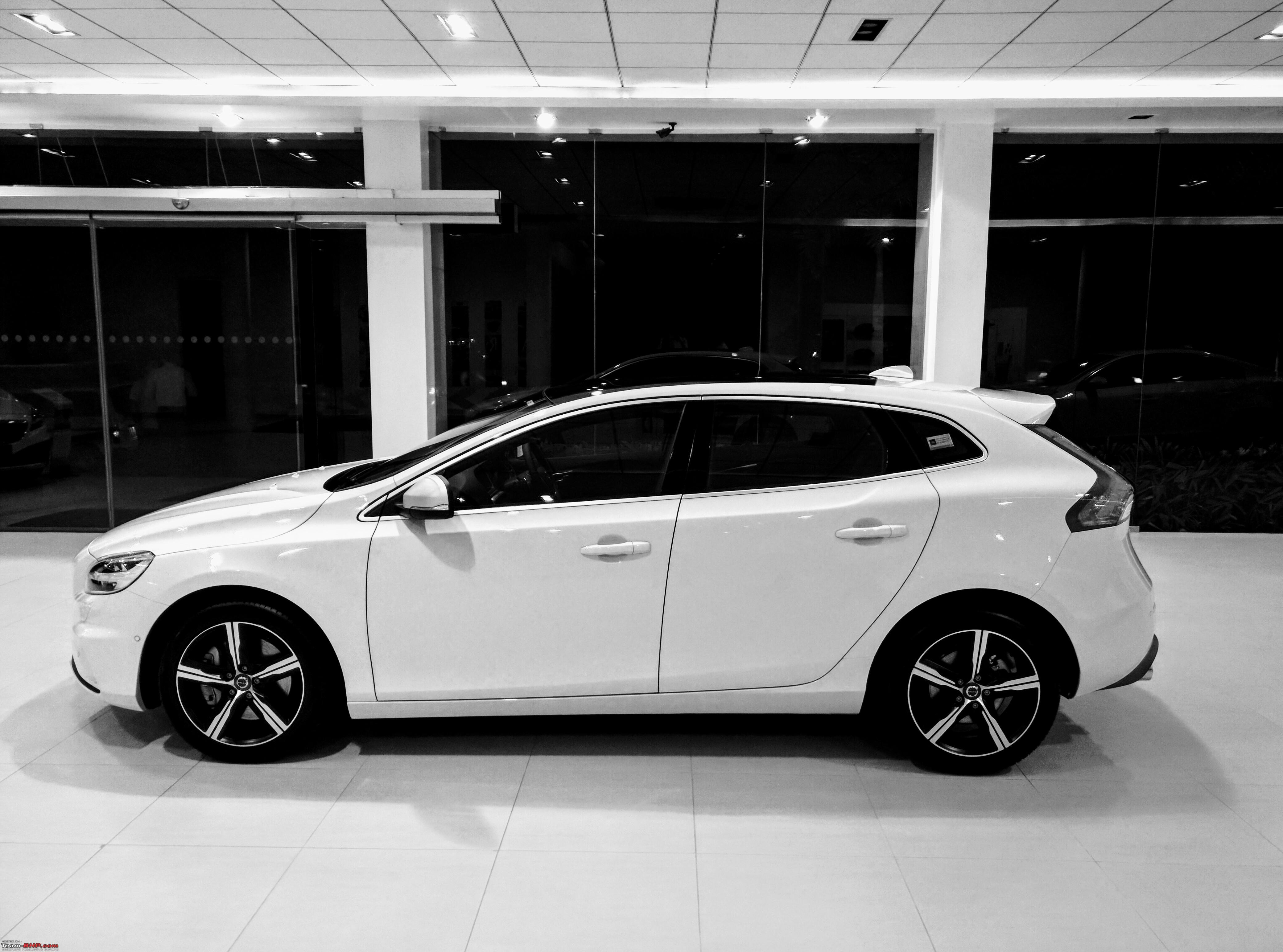 Dream Car Wallpaper Volvo V40 Hatchback In India Now Launched Page 6
