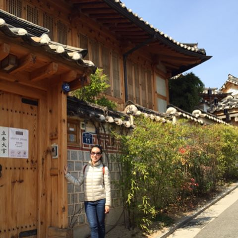 One of my favorite experiences was visiting the Bukchon Hanokhellip