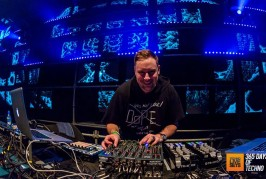 Umek – Behind The Iron Curtain Podcast 237 – 25-01-2016 – @UMEK_1605