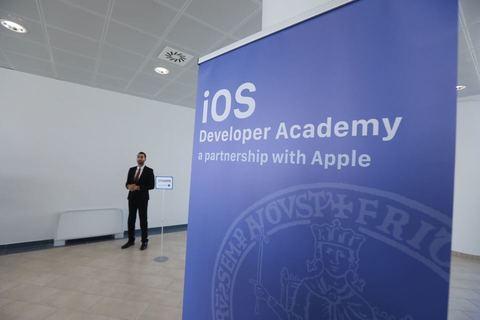 IOS Developer Academy Napoli, è il giorno dell'inaugurazione