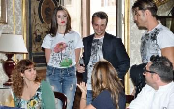 La moda italiana al fianco delle mamme