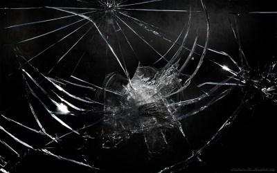 45 Realistic Cracked and Broken Screen Wallpapers – Technosamrat