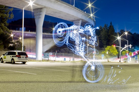 Light Painting Photography - skeliton guys