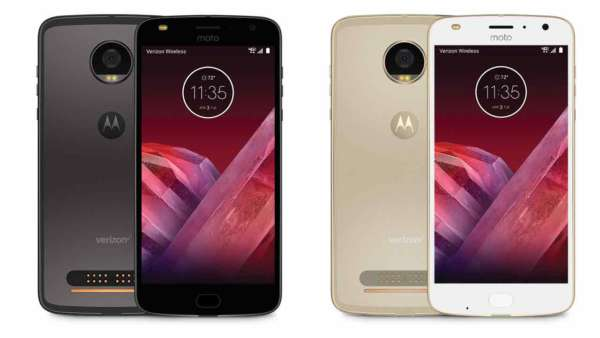 Moto Z2 Play ufficiale