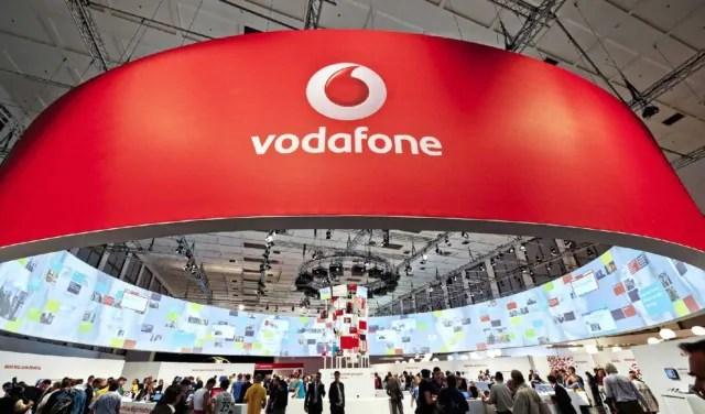 Vodafone rinnova logo e slogan