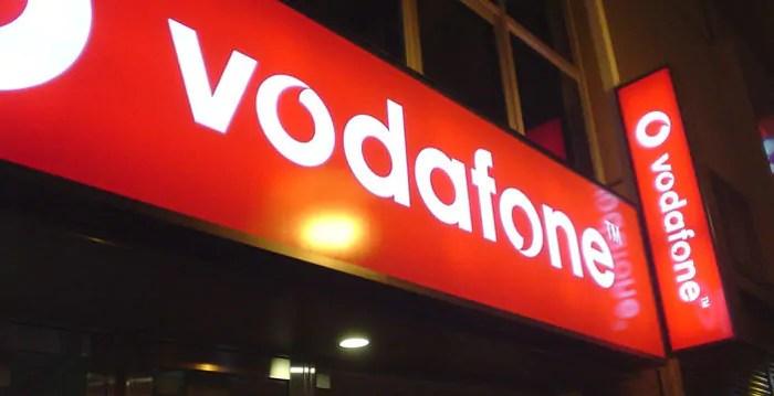 1000 minuti/SMS e 20GB a 10 euro con Vodafone