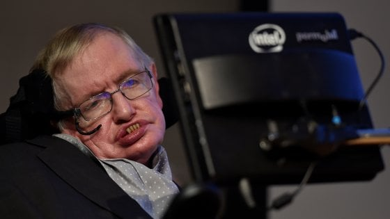 Stephen Hawking morto