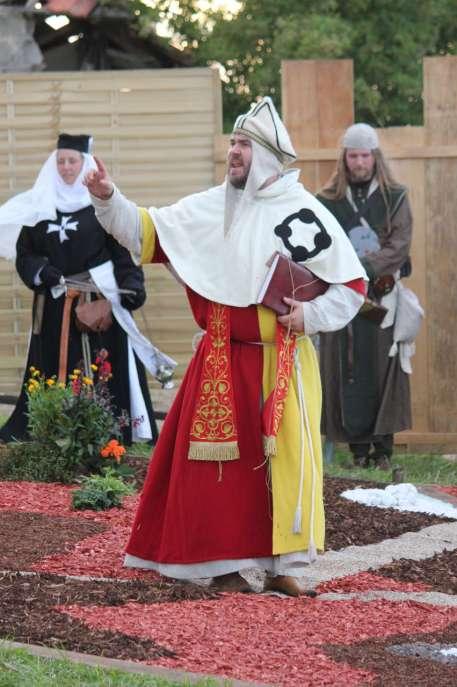 Klassisch inspirierter Priester einer Fantasyreligion - Witiko Lyn-X