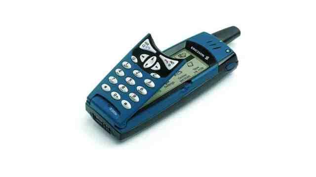 Ericsson R380, primeiro a traze o nome smartphone