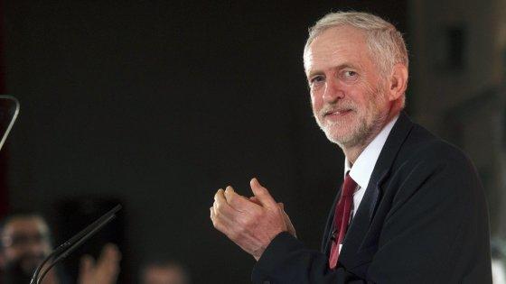 Gb, tensione tra i labour: i big del partito vogliono sfiduciare Corbyn