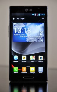 LG Optimus L9 - frontal