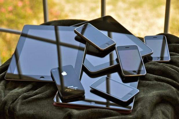 ipad-iphone-apple-sign[1]