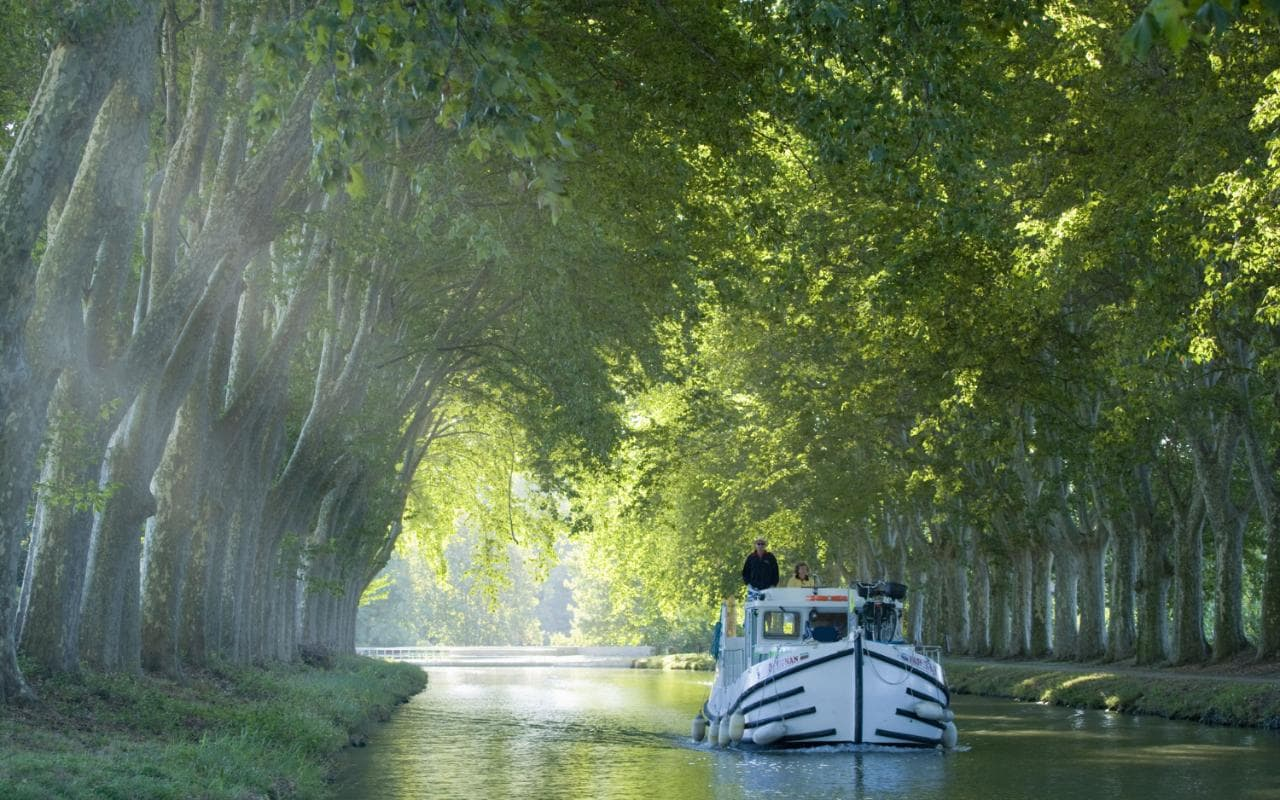 3d Garden Wallpaper Free Canal Du Midi Is This The Most Relaxing Holiday You Can