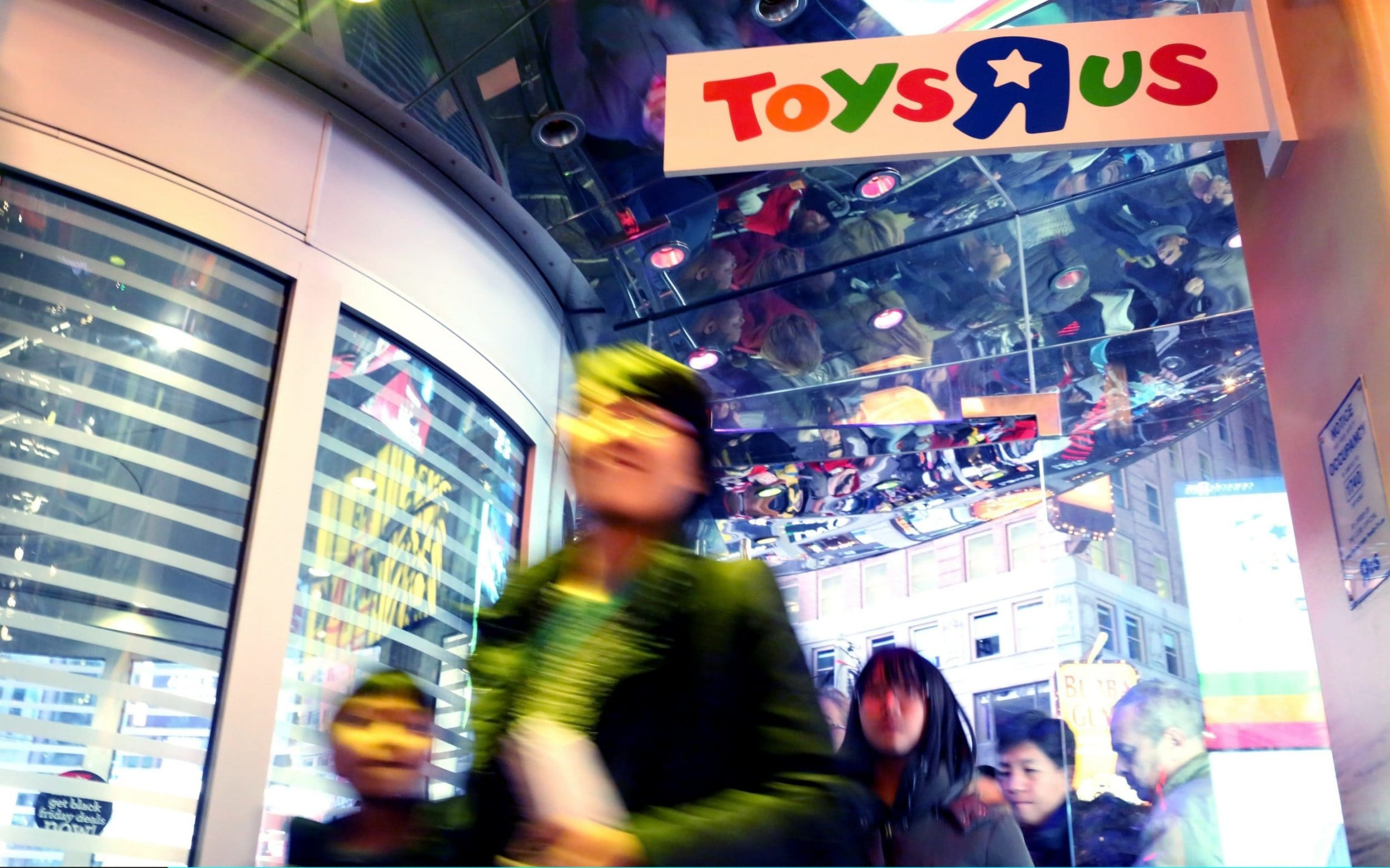 Trouble In Toy Town It S Time To Grow Up For Toys R Us