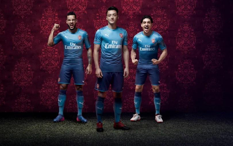 Mesut Ozil Wallpapers Hd Arsenal Arsenal Unveil New Two Tone Away Kit For 2017 18 Premier