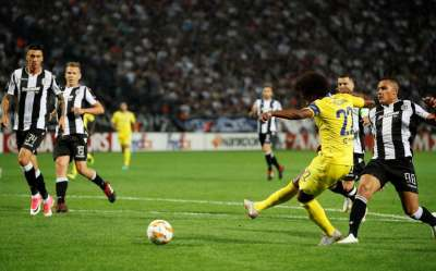 Wasteful Chelsea secure victory in Europa League opener as Pedro suffers shoulder injury