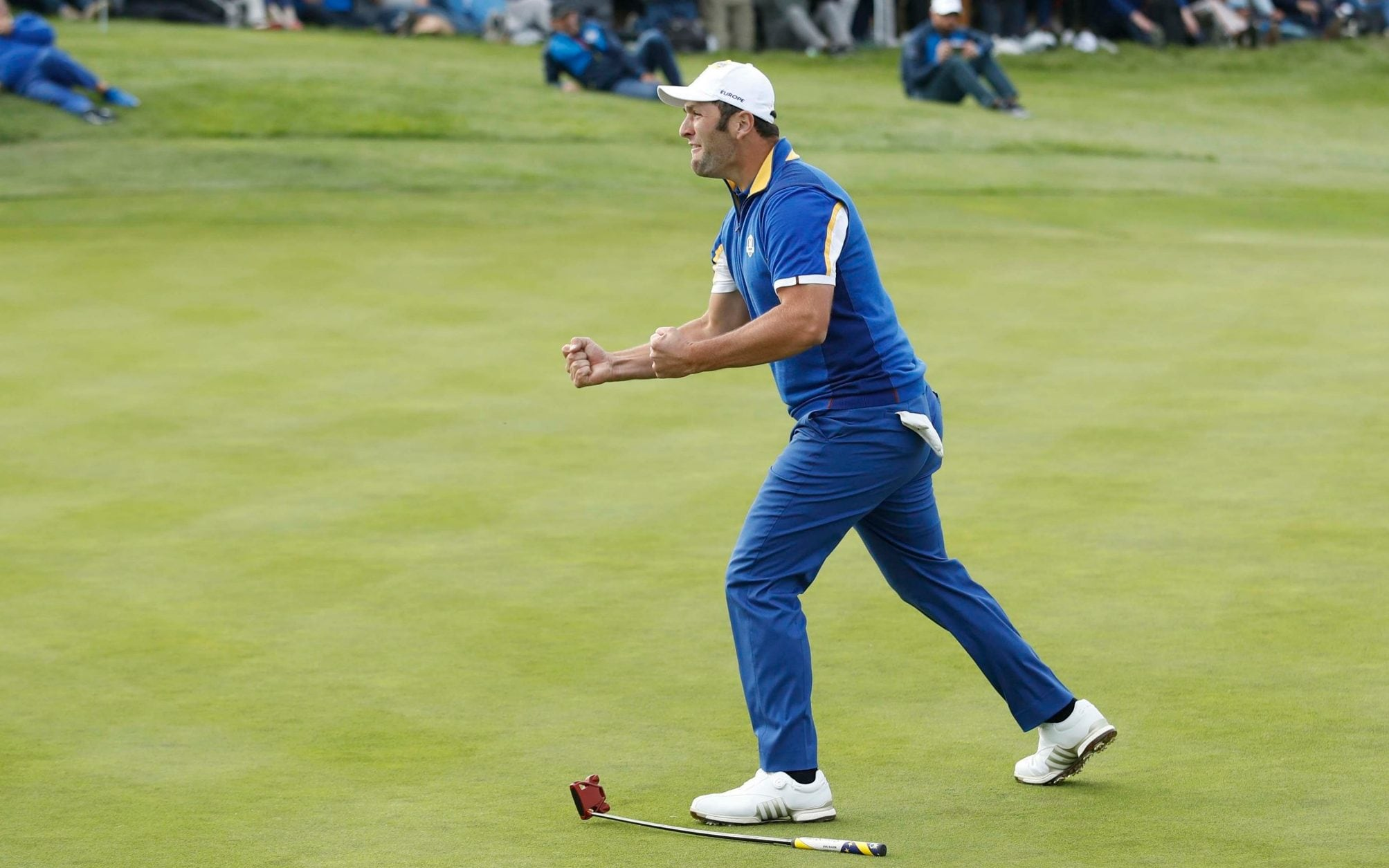 Francesco Molinari secures winning point as Europe regain Ryder Cup in dominant style