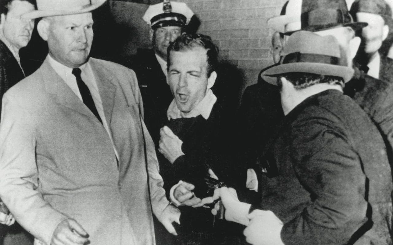 On This Day Lee Harvey Oswald39s Murder Was Broadcast Live