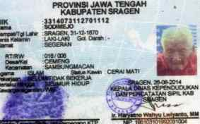 Mbah Gotho's identity card, showing his date of birth as December 31, 1870