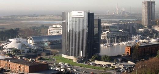 Edificio de Telecom. Imagen: Esteban Maringolo/Flickr