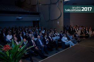 024-telesintese-anuario-2017-momento-editorial-photo-robson-regato